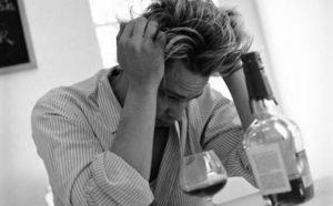 Алкогольные психозы: виды и лечение